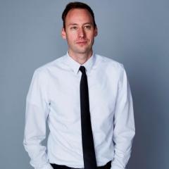 Dr Tom Aechtner